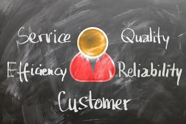 customer-1253483_640-min (1)