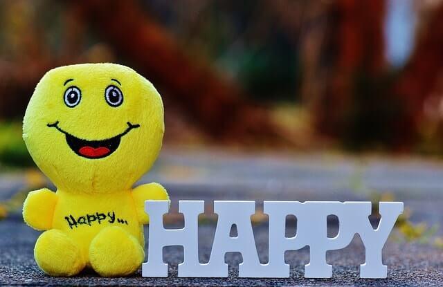 happy-1194447_640-min (1)