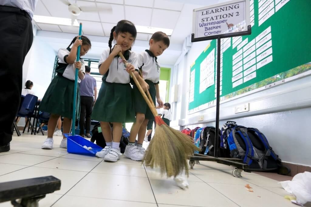 janitors-in-japanese-schools-1