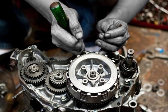 Rebuild motorcycle engine